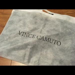 Vince Camuto Bags - 🆕 VINCE CAMUTO Vegan Pebble Leather Slim Tote Bag